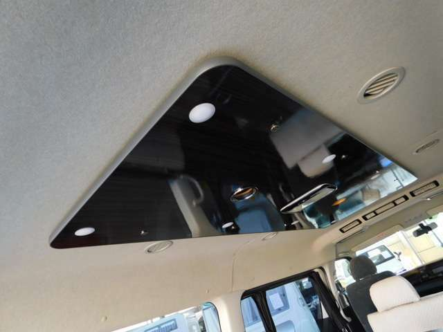 リアクーラー リアヒーター LED照明 サブバッテリー 走行充電 電圧計 カーテン
