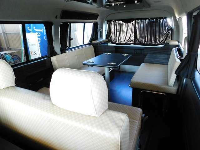 アネックス製ファミリーワゴン 3ナンバー10名乗車のシートレイアウト変更モデルです。