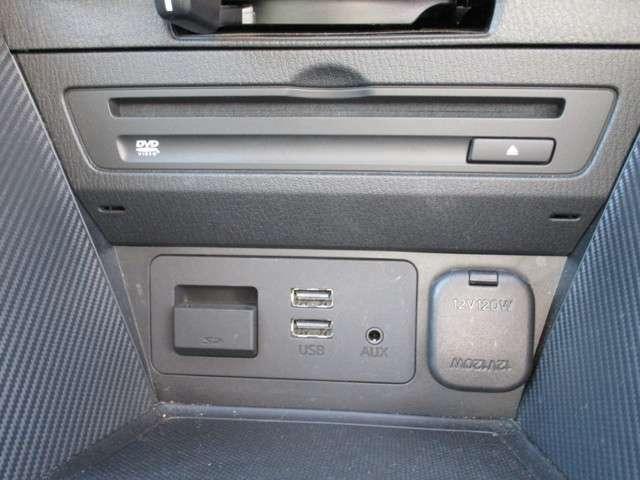 CD/DVDプレーヤー&フルセグチューナー&USB端子2つ&AUX端子1つ