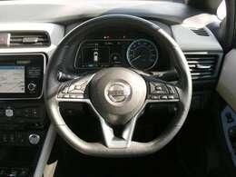 オートクルーズコントロール(クルマが車速を一定にコントロール。平坦な高速道路などでエコドライブに貢献。ドライバーの負担も軽減します。)
