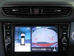アラウンドビューモニターは空から見下ろすような視点で、スムーズな駐車と安全確認をサポート☆