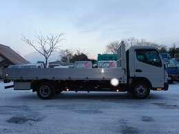 当社の在庫はお客様に快適にお乗り頂ける様、次の車検も取って頂ける様納車整備に力を入れ、期待以上のモノをお届け出来るように日々努力しております。