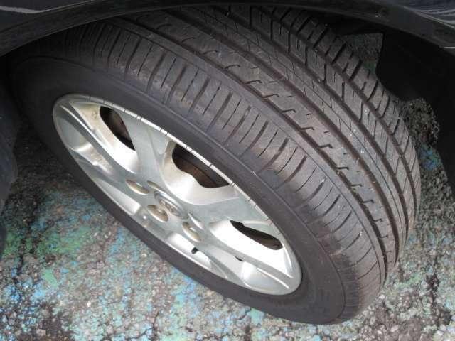 タイヤの状態も良く、溝もじゅうぶんに残っています!