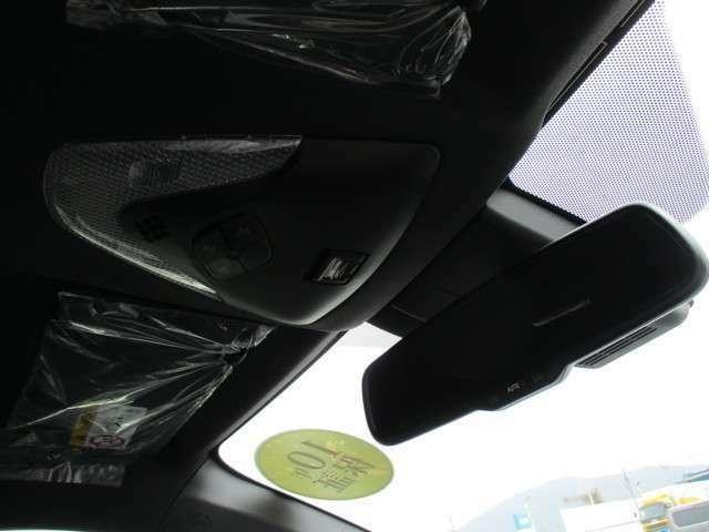 ケイカフェでは、快適なカーライフを過ごしていただくためにオイル交換~定期点検や車検整備なども実施。国土交通省トップランクの指定工場6拠点、認証工場1拠点の体制で高いクオリティの整備を実施しております。