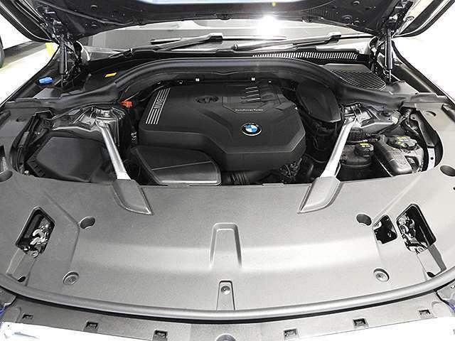 BMW製直列4気筒2Lターボエンジン258PS/400Nm(カタログ値)