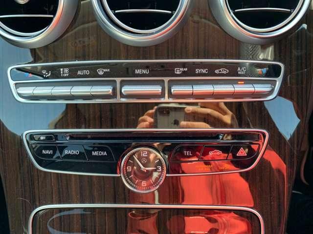 パネル類、スイッチ類は特に大きなキズや汚れはありません。エアコンもしっかり効きます!!
