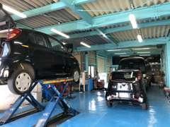 自社認証整備工場完備。車検、整備などお気軽にどうぞ!