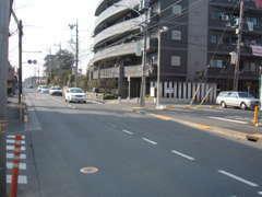 青梅街道を青梅方面でココを右折!新小金井街道の次の信号です