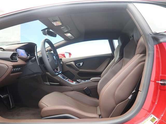 ●革シート:ブラウン●パワーシート『ゆったりとしたドライバースペースで、長時間の運転でも快適にお過ごしいただけます。』