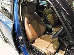 純正レザーシート、レザー・チェスター・ブリティッシュ・オーク装備。電動シート(メモリー機能付)、シートヒーター装備。シートヒーターは3段階で調整可能です。