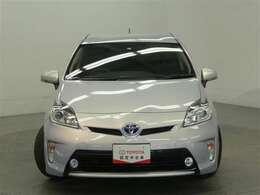 HID(キセノン)ヘッドライト搭載車両です。ハロゲンヘッドライトと比べて明るく、夜道も明るく照らします!