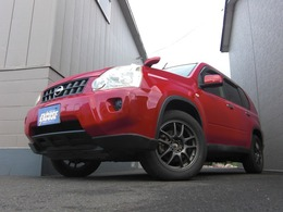 日産 エクストレイル 2.0 20X 4WD スタッドレスタイヤ付き