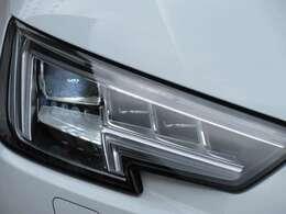 専用マトリクスLEDヘッドライトユニット搭載♪ アウディ独自のデザインで、先進的なスタイルとなります♪
