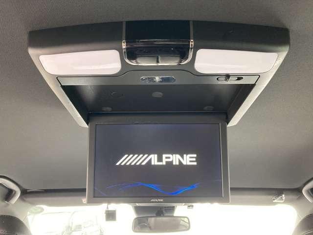 ◆アルパイン製10.1インチフリップダウンモニター【小さいお子様がいる家庭に人気のある装備の一つです。ロングドライブでも快適にお過ごしいただけます。】