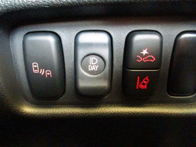 こちらのお車には、SDナビ地デジ・Bカメラ・CD・DVDビデオ・ブルートゥース・ETC・ドラレコ・レーダークルーズ・LKA・BSM・シートヒーター・パドルシフト・LEDライト・フォグが装備!
