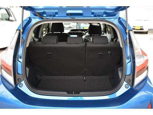 ブルーレイ搭載フルセグ地デジナビ、CD録音8倍速&Bluetooth接続&USB接続動画再生&ナビ連動ドラレコ(駐車録画モード付)&バックカメラ&ETC車載器&フロアマットを取り付け済みでお渡しです!