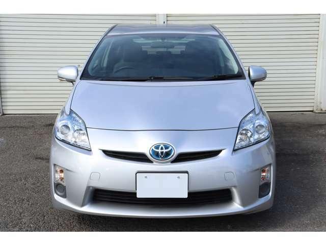 当店のお車はご遠方の方でも車両のメリット&デメリットをしっかりご検討頂ける様に細かく写真撮影したものを掲載しております。是非ご検討下さいませ!