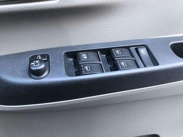 お車のご不明点や、詳細な情報などはお気軽にお問い合わせ下さい☆カーセンサーフリーダイアル 0066-9711-534212 担当:ナカガワ