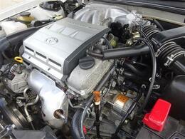 軽やかなセルの始動音と淀みないエンジンフィールが特徴のV6・2MZエンジン搭載♪このエンジンにはファンが多く、ウインダムを乗り継ぐ方も多くいらっしゃいるぐらいです☆