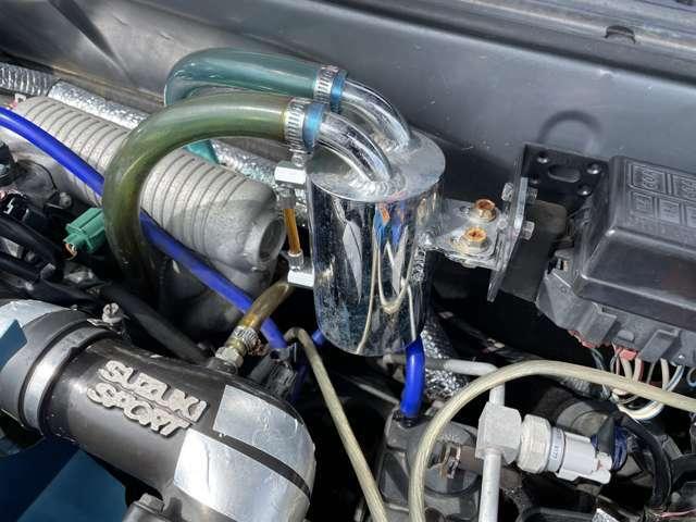 5速マニュアルでターボ車しかも4WDですので安定した走りが楽しめます!!