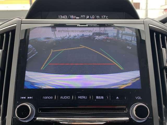 ★純正バックカメラ装備★車庫入れや縦列駐車の際、後退操作の参考になるガイドラインもモニターに表示するのでらくらくです!