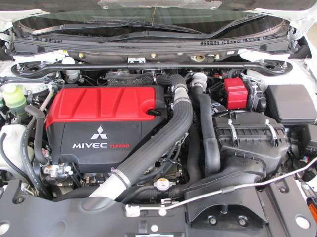 2000cc シングルータービン MIVEC DOHC 直列4気筒ガソリンエンジン!ハイオク指定です。