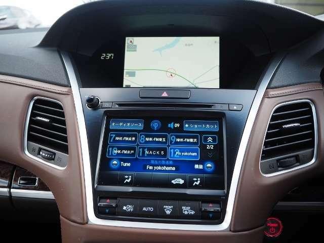 Honda インターナビ  直感的な操作をサポートするオンデマンド・マルチユース・ディスプレー。