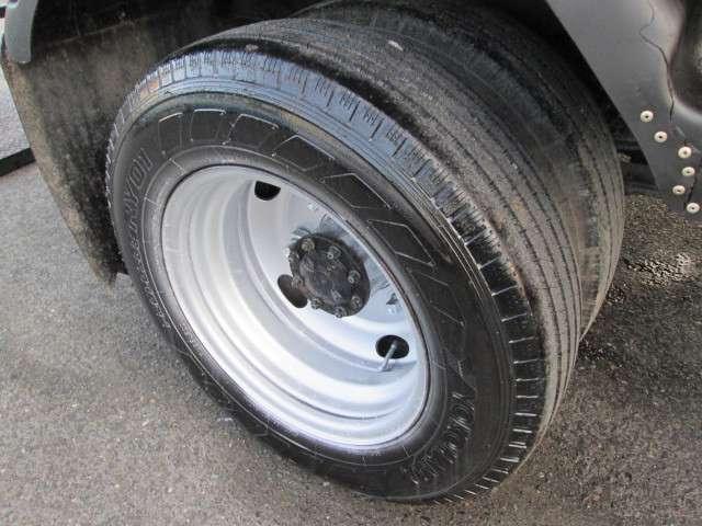 タイヤサイズ205/75/16ダブルタイヤ!F&Rとも同サイズで経済的!