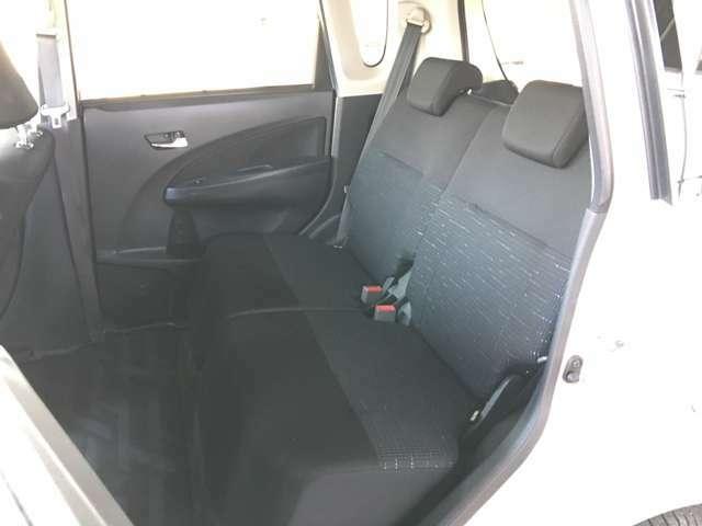 ★場内試乗OK★お車のコンディション、エンジンルームなど隅々までご確認いただけます。