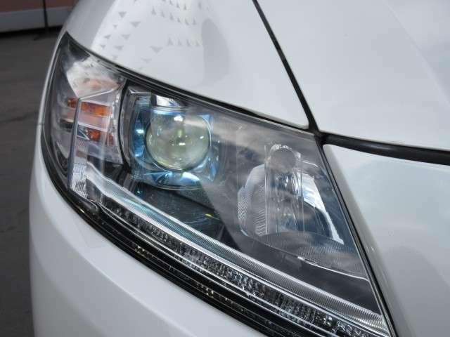 純正HIDヘッドライト&LEDポジションランプ&フォグランプ付き♪ フォグランプ交換など、当店にて交換も可能です♪ お気軽にお問い合わせください♪