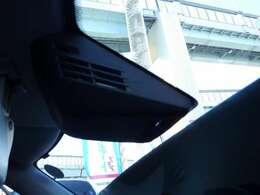 被害軽減ブレーキ付きです。誤発進抑制も付いて安心ですね。