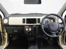 新車や登録(届出)済未使用車だけでなく中古車にも1年保証がバッチリ付きます!自社の仕入れた車や整備に自信があるからこそ出来る1年保証!なので安心してお乗りください!