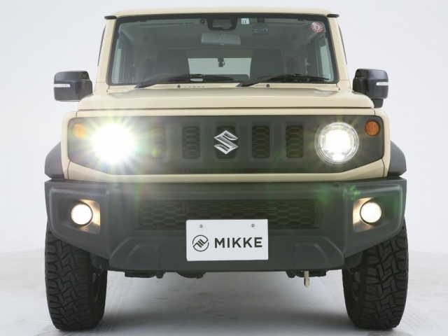 ヘッドライトはとても明るいLED!夜の運転も安心です!