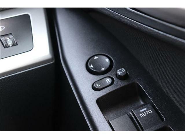 ★電動格納ドアミラー!ボタン一つでドアミラーの折り畳みが可能です。ミラーの角度調整もスイッチ操作で調整できます♪