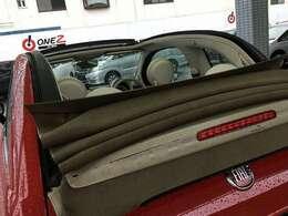 オープンカー☆天井を開けて、気持ちよくドライブできます♪