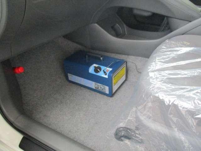 当店の展示車は全車、内・外装クリーニング済みです!さらに消臭&除菌に強力な効果を発揮する専用装置「豪腕」を用いて洗浄する事で車内を清潔かつ快適な状態にして販売しております!