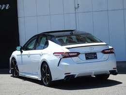 TOM'S「C35」は日本仕様車両にはラインナップされていないパワフルなV6  3.5Lエンジンを搭載しております。301PSのパフォーマンスとV6ならではの重量感のあるフィーリングをお楽しみ頂けます