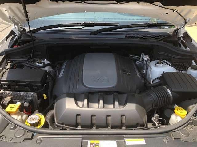 V8・5.7 HEMIエンジン!