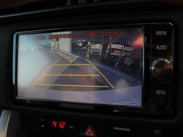 バックカメラも付いているので駐車が苦手な方でも安心です!
