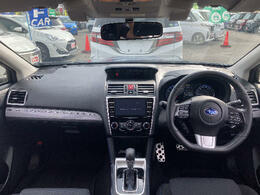●全国各地から良質車だけを選ぶ目利きの仕入れスタッフ☆さらに国家整備資格者が、その車を徹底してチェックしています!!