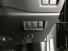 【オートマチックハイビーム】先行車や対向車のライトを認識し、ハイビームとロービームを自動で切り替える機能です♪
