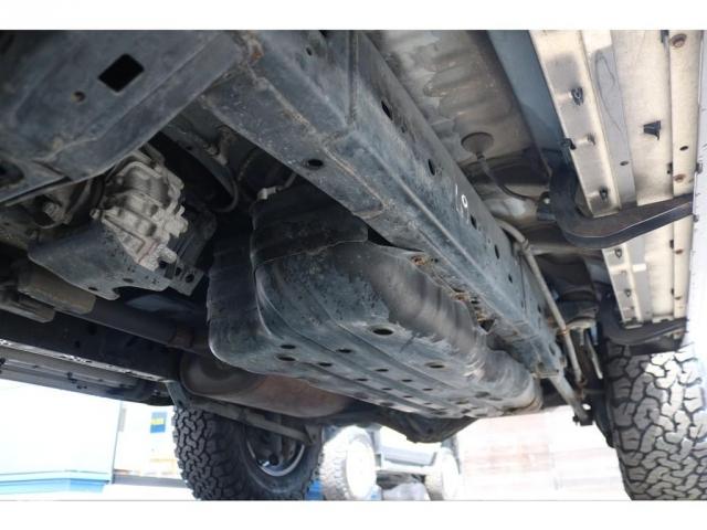 ラダーフレーム&センターデフロック付きパートタイム4WD!本格派の構造も人気のポイントです!