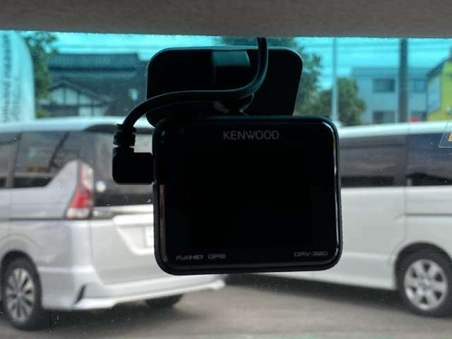 [ドライブレコーダー]今大注目のドラレコ☆万一の時はもちろんですが、ドライブの思い出を記録するのもいいですね♪