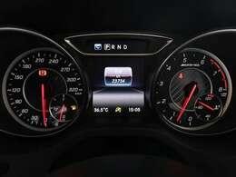走行約24000km もちろん、前車追従型アダプティブクルーズコントロールや運転支援機能が装備されています。