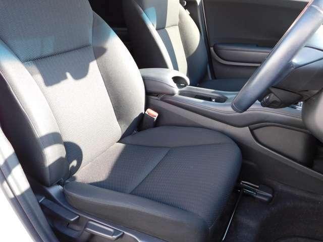 シートの高さ調整などお好きなシートポジション調整が可能です。