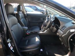 人気オプションの黒革シート【オプション価格¥135000】ホールド感のあるシートは快適なドライブをサポートします☆