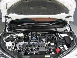 【エンジンルーム】エンジンルームもピカピカに仕上げます。エンジンルームが汚れていると不具合の原因にもなります。逆にオイル漏れなどの異常がおきたときには原因をみつけやすいですよ。