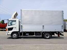 車両総重量7970kg 最大積載量3250kg