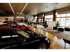 当社スタッフの査定の他に、第三者機関(AIS)で検査を行った高年式の欧州車を中心に展示しています。