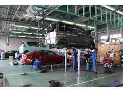 関東運輸局指定工場完備です。土日や祭日も車検OKです!45分短時間車検もOK!購入後のアフターサービスも安心です!